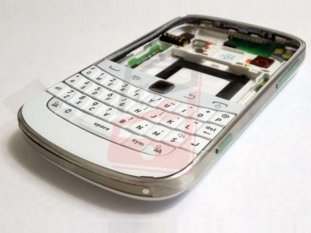 Carcasa BlackBerry 9900 Bold Touch alba