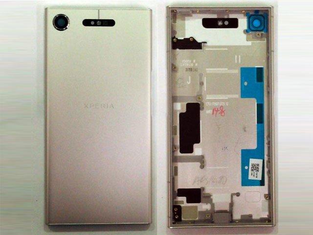 Capac baterie Sony Xperia XZ1, F8341, F8342 argintiu original